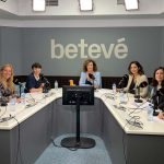 Six medical experts, debating on the abuse of antibiotics in the TV of Barcelona